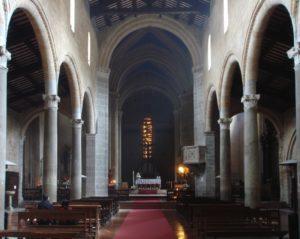 Orvieto_Chiesa_Sant_Andrea_aisle_view